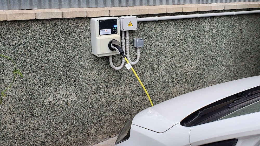 cargador_vehiculo_electrico_judelsa